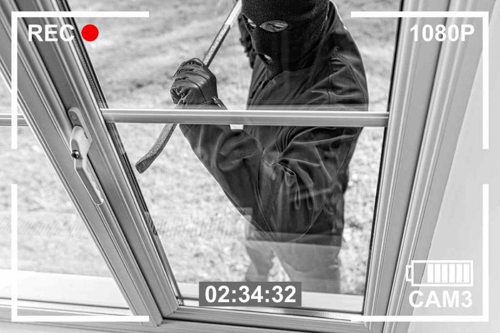 a real CCTV recording a burglary