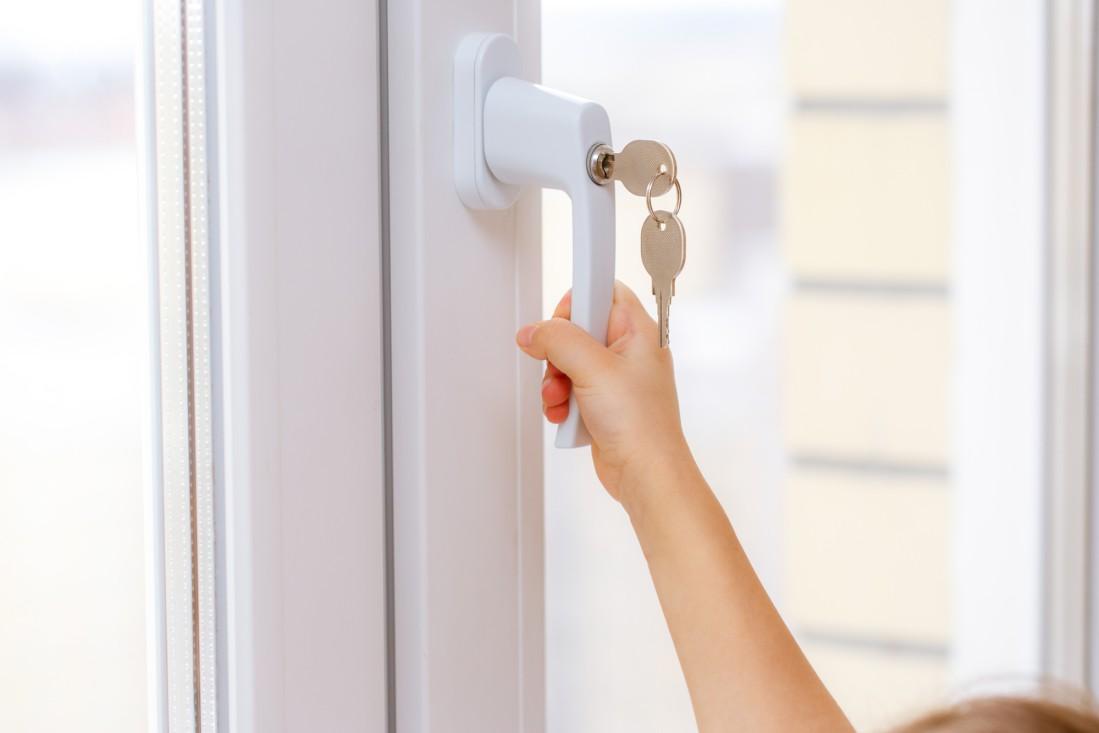 child opening window handle