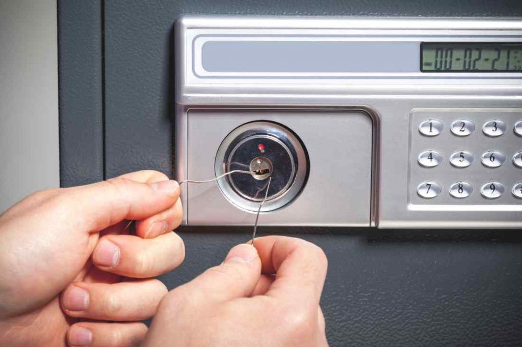 security breach safe picking concept